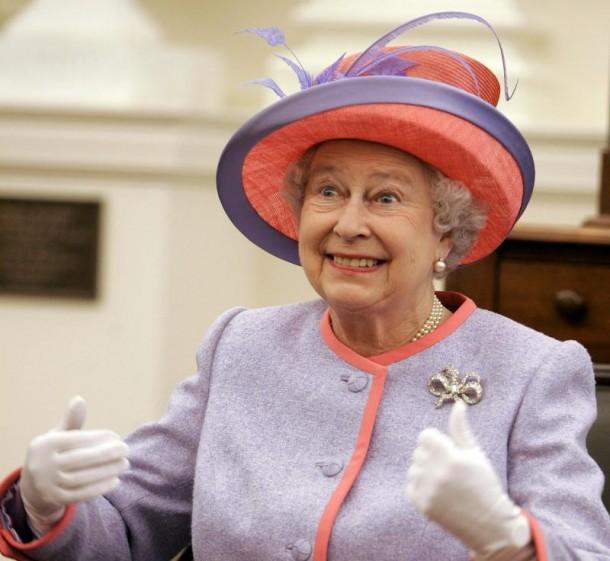 QUEEN ELIZABETH II 610x561 The Queens Crown Jewels to go on display in August