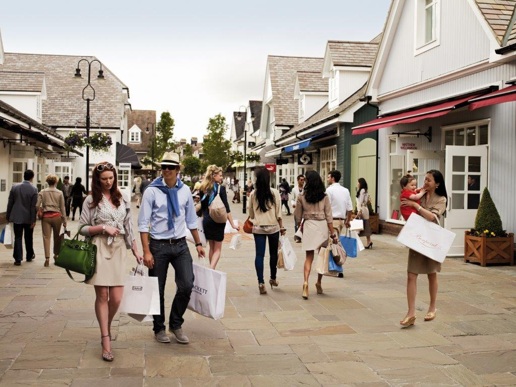 Top 10 Designer Shopping Outlets in London: ldnfashion.com/shopping/outlets-in-london